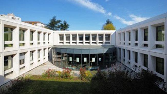 R habilitation de site cimaise architectes for Architecture commerciale definition